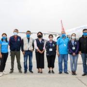 Gruppe samlet for første levering av vaksiner i Nepal